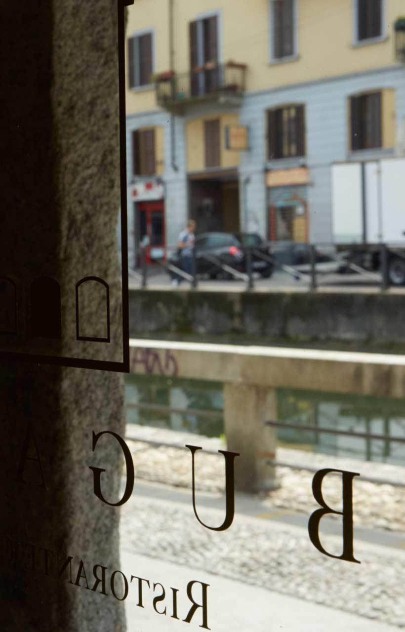Vue sur le Naviglio Grande du restaurant Bugandé